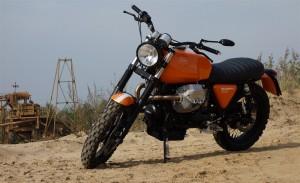 Moto Guzzi Scrambler 1100 im Kieswerk