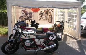 Moto Guzzi V7 Racer zu Gast am Doc Jensen Stand