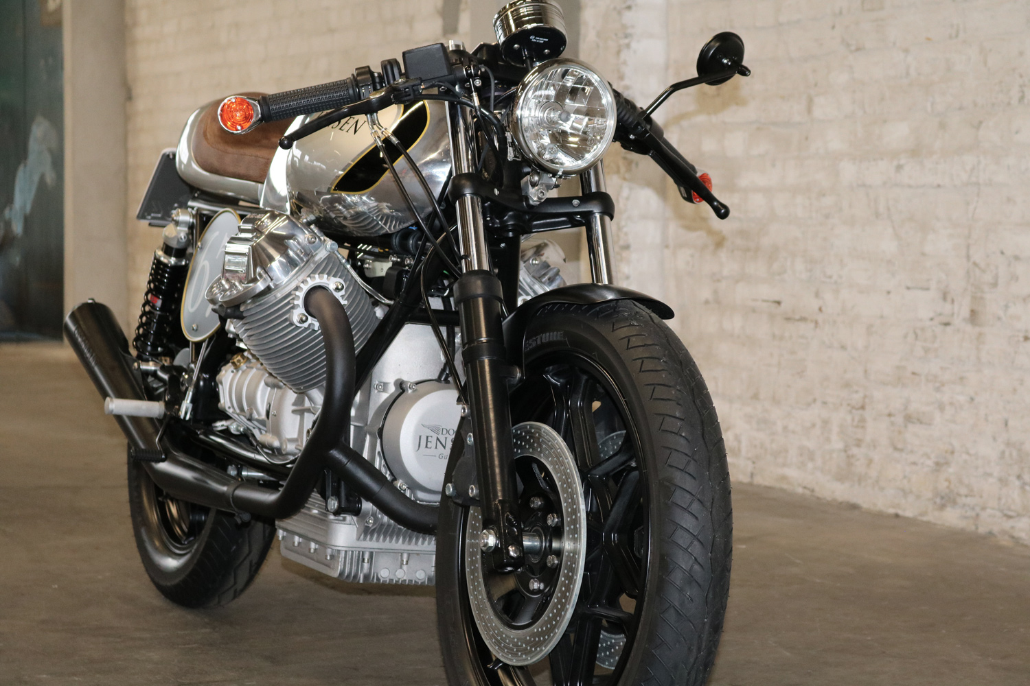 moto guzzi cafe racer kaufen doc jensen guzzi. Black Bedroom Furniture Sets. Home Design Ideas